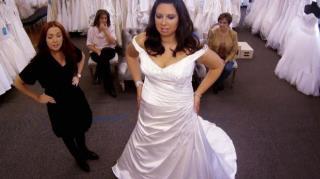 282f1935fa ME PIDO ESTE VESTIDO. Es un programa americano emitido en Divinity en el  que novias buscan el vestido perfecto para su boda. El programa se graba en  una ...
